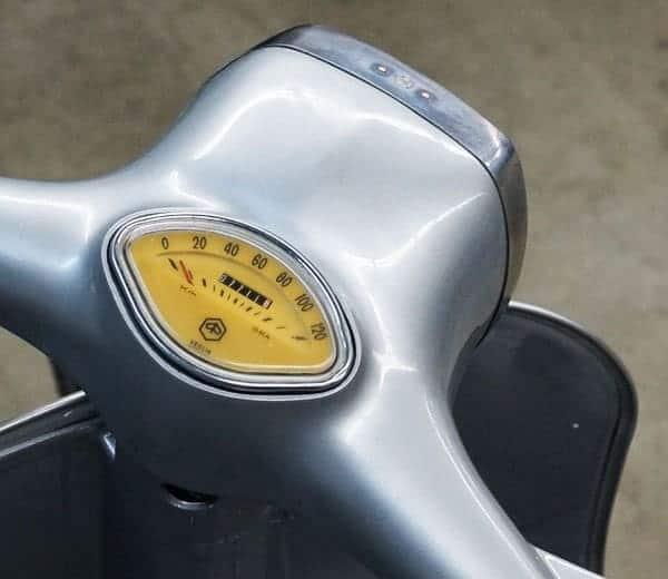 Vespa 150 Sprint von 1971 silber