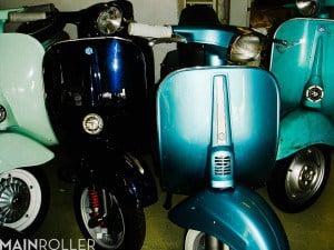 Special in Piaggio Azurro Metalizatto und N in Porsche Blau